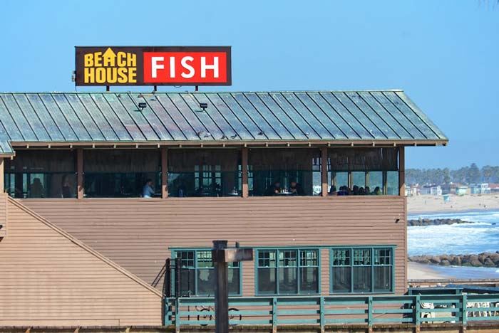 dimensional-letter-sign-beach-house-fish-ventura-700